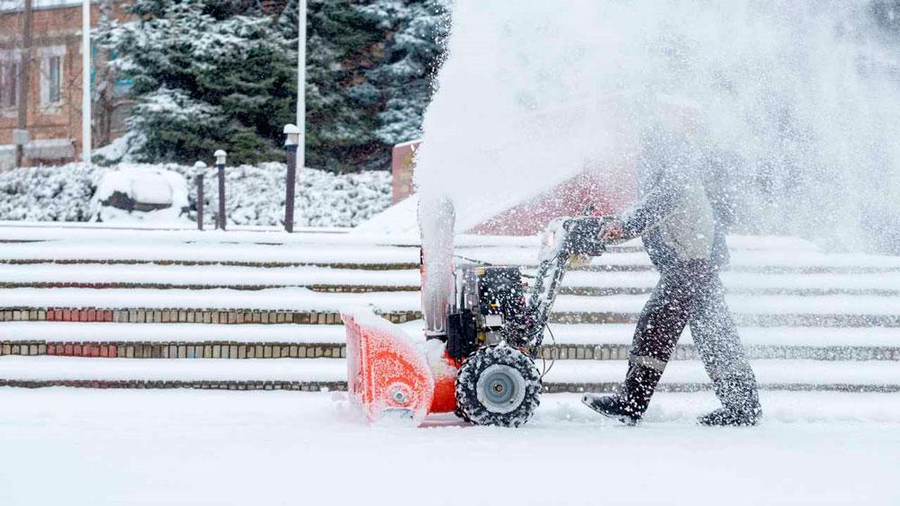 Очистка снега